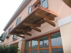 Pensilina in legno Classica